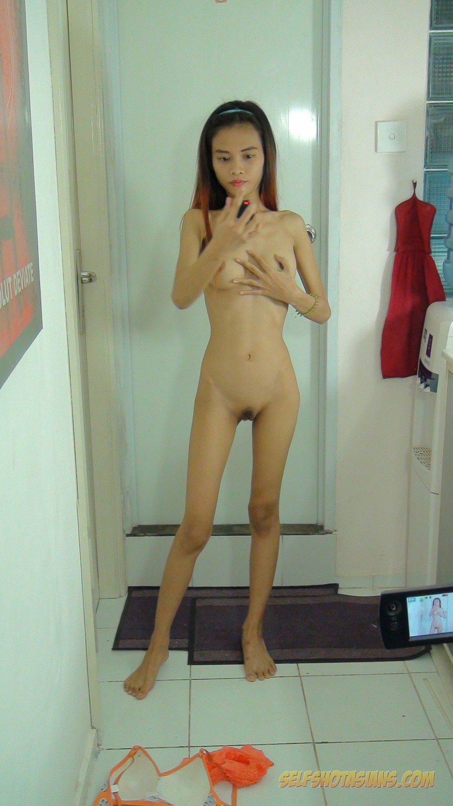 skinny asian girlfriend nudes